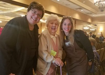 Laura, her mom and Hershey's Anna Lingeris