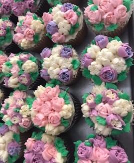 Jan's Russian Tip Cupcake Decorating Classes